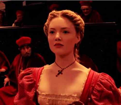 beautiful pictures of holliday grainger