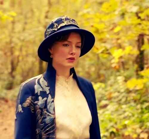 best photo holliday grainger