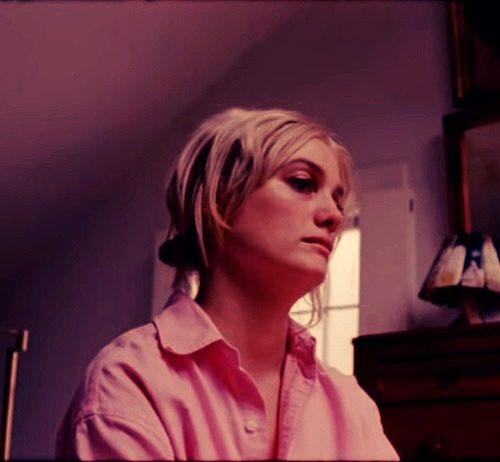 cute image of Alison Sudol