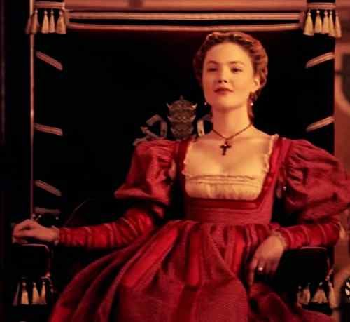 hollywood actress holliday grainger image