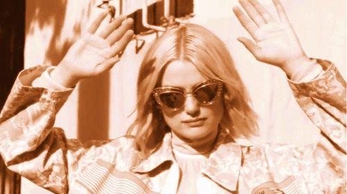 stylish actress of Alison Sudol image