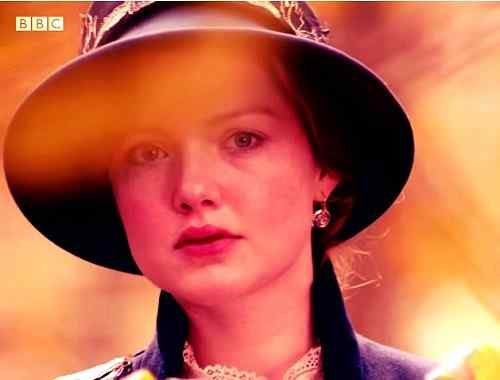 sweet image of holliday grainger