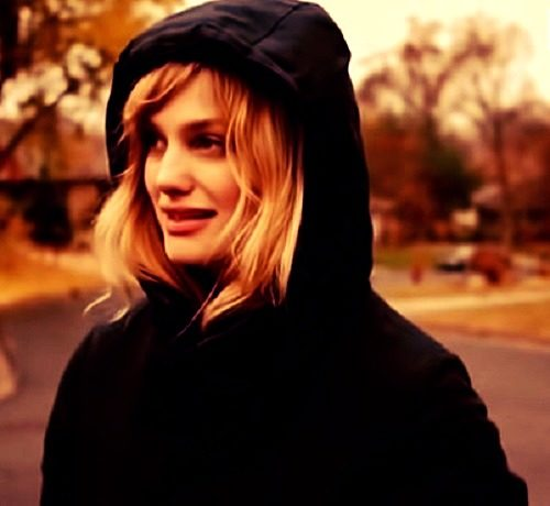 top Alison Sudol photo