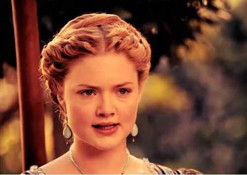 top actress holliday grainger wallpaper