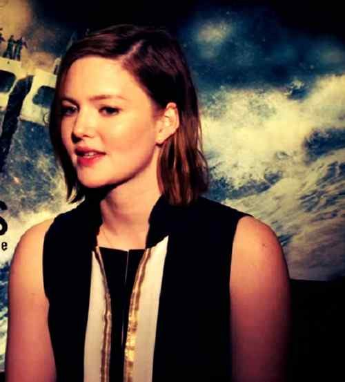 top smile photo of holliday grainger