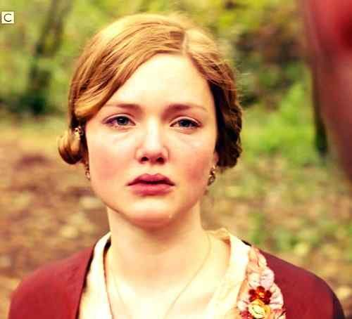 top wallpaper of holliday grainger download