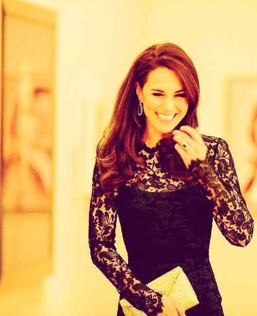 beautiful smile of kate middleton wallpaper