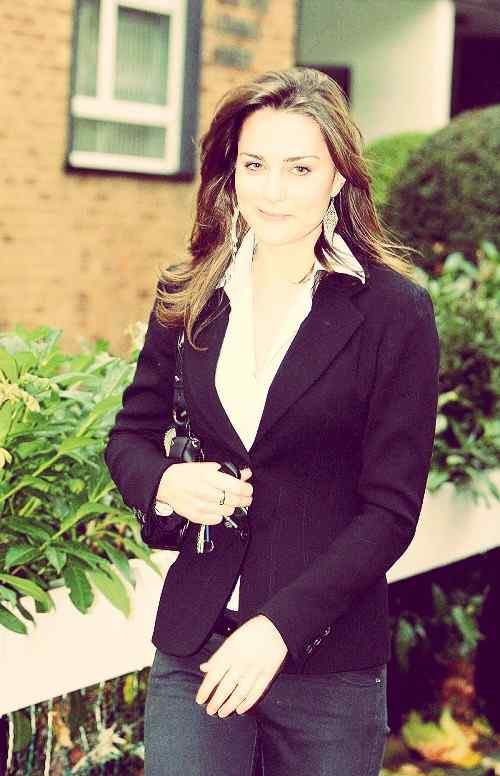 sweet actress of kate middleton for Fb